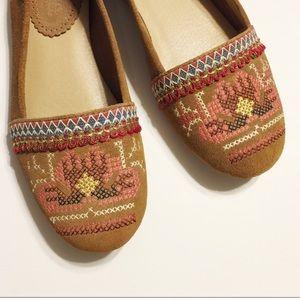 Anthro Latigo | Basio Embroidered Leather Flats